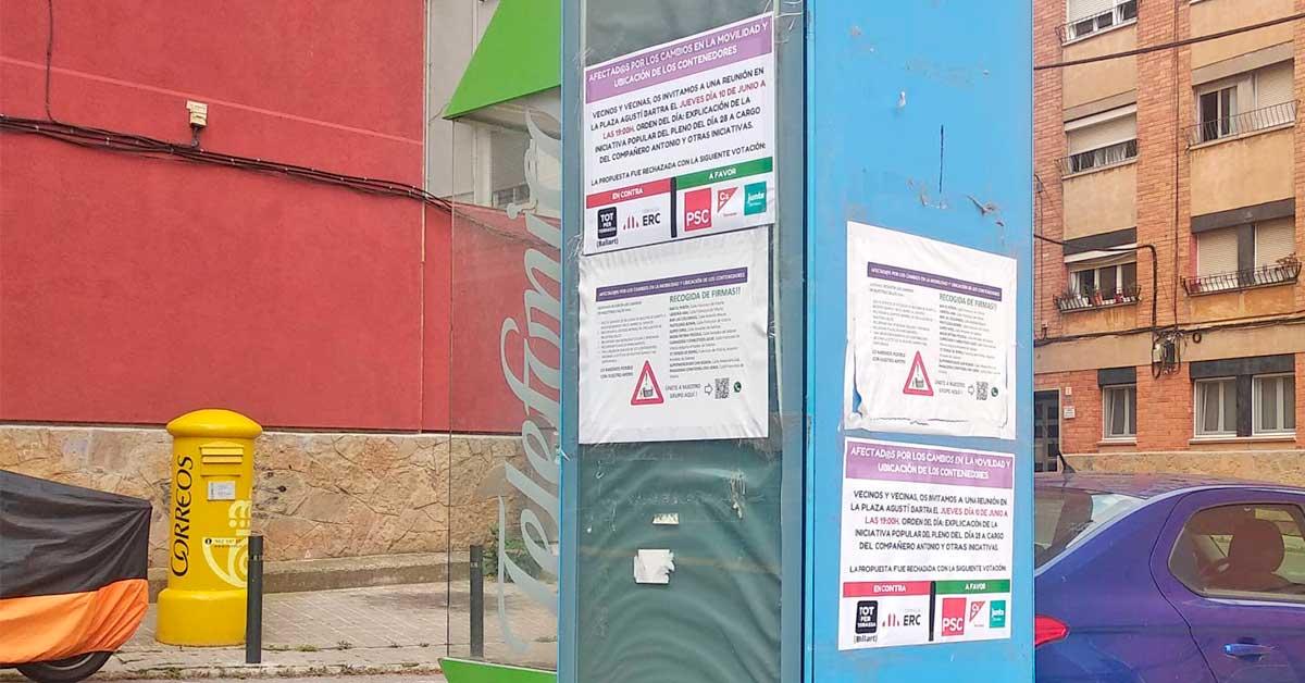 Carteles en Can Boada contra los contenedores polémicos