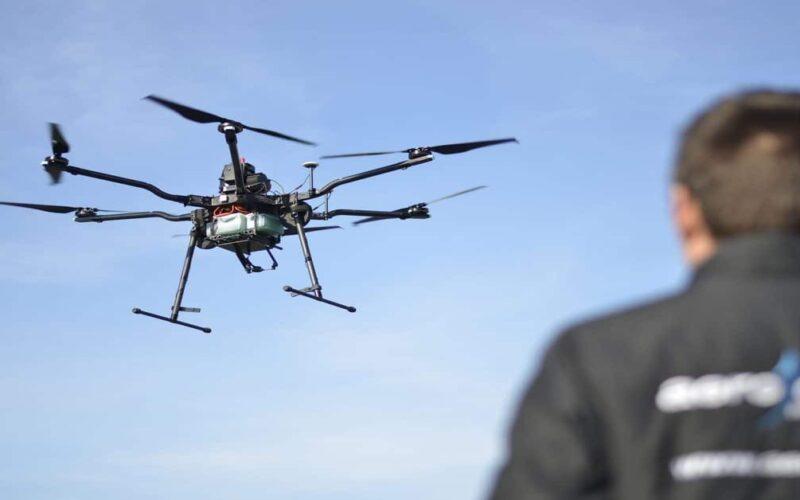 operar drones y desarrollar aplicaciones de realidad virtual